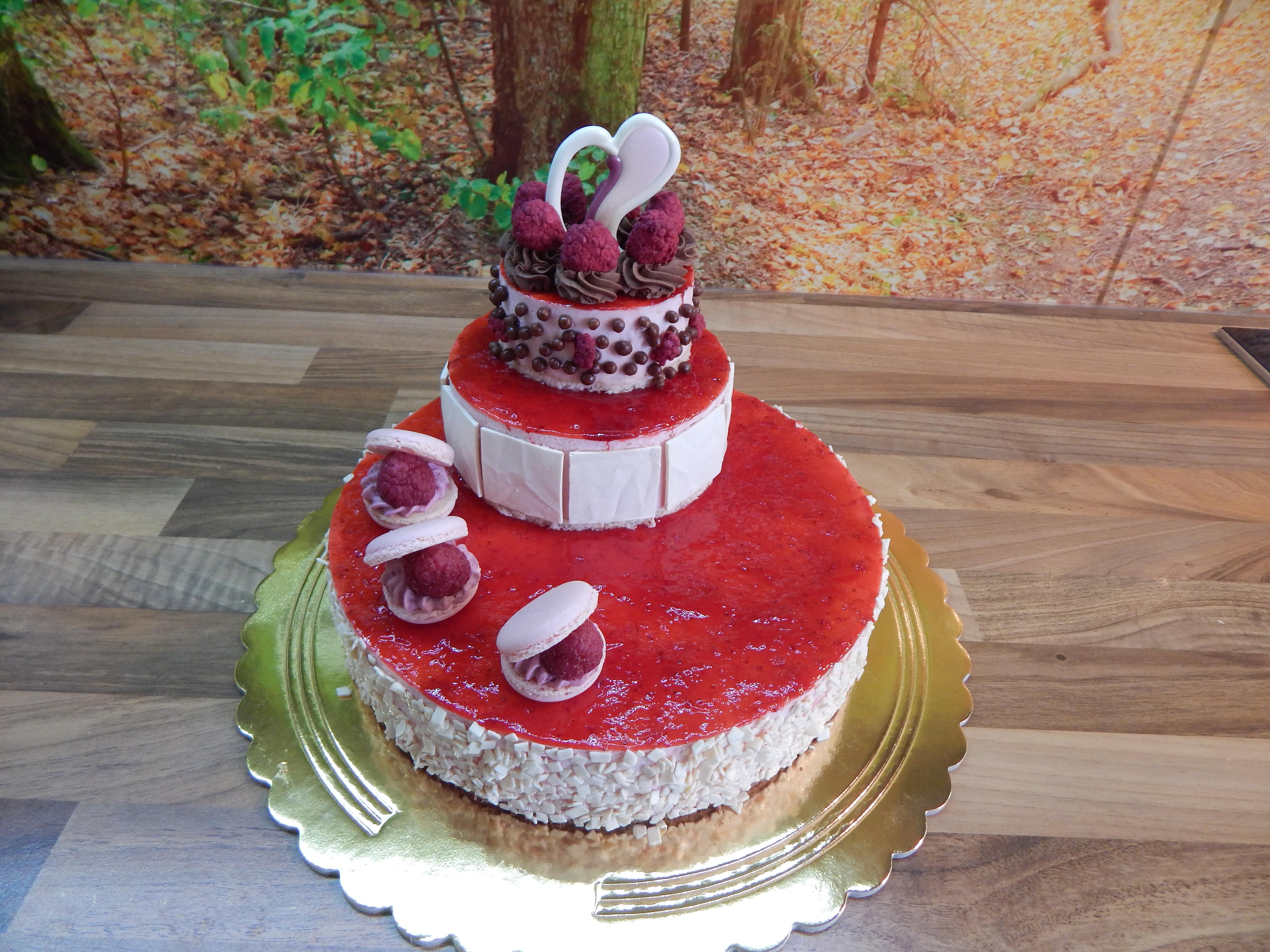 Jahodový dort patrový 3