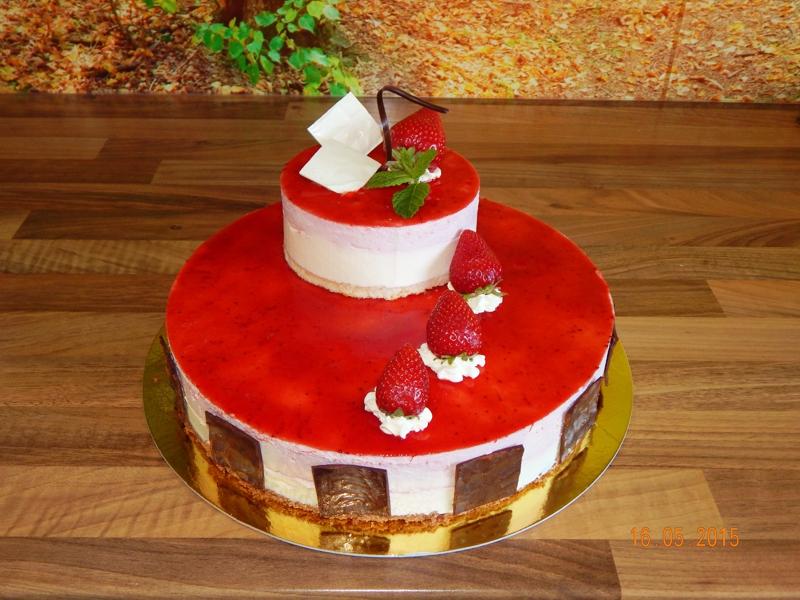 Jahodový dort patrový