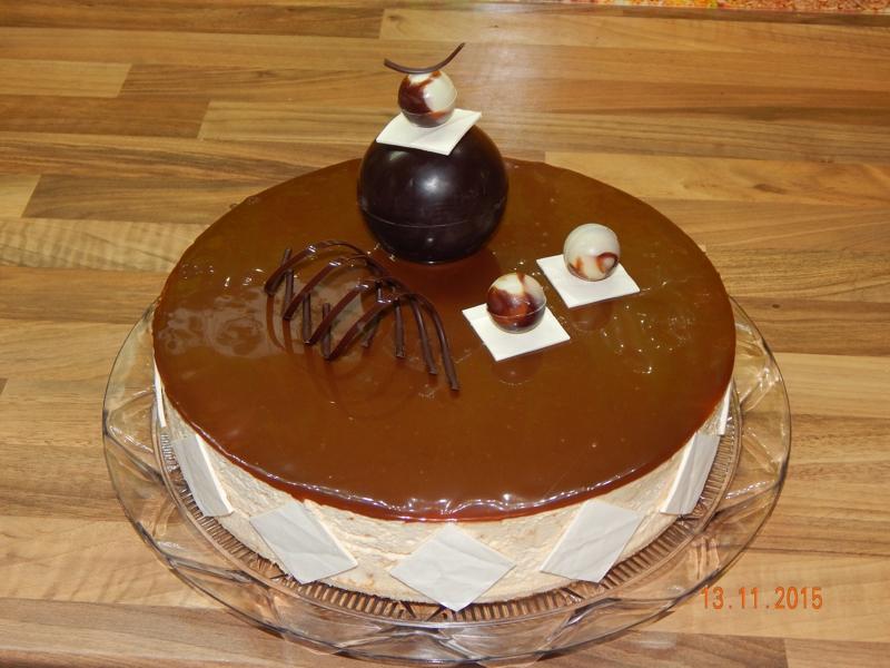 Karamelový dort s přáním